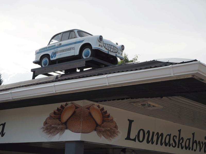 Symppis auto Oriveden huoltamon katolla